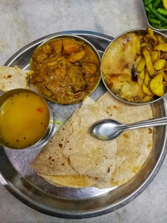 Il miglior Thali del viaggio, Calcutta.