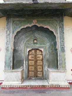 Un portale del Palazzo Reale di Jaipur
